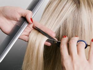 Подравнивание волос одним срезом горячими ножницами